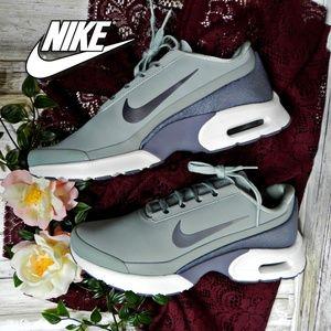 nwot Nike Air Max Jewell Lea grey glitter size 10